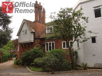 Official removals in Coombe