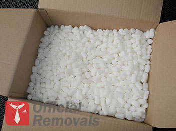 http://officialremovals.com/oflrm-media/2016/08/Packing-Peanuts.jpg