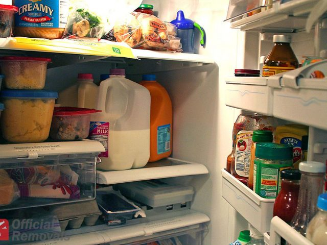 http://officialremovals.com/oflrm-media/2017/06/Fridge-with-food-640x480.jpg